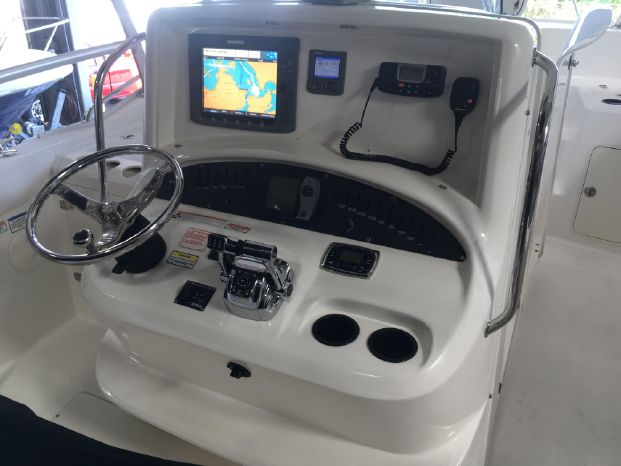2006 Boston Whaler 320 Outrage $94,900 - Outermost Harbor Marine